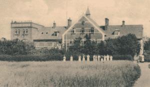 Rønde Højskole efter udvidelsen i 1913